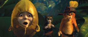 Humpty Dumpty, Kitty Mjuktass och Mästerkatten. De försöker få tag på ett antal guldägg.