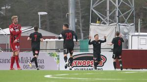 Dalkurd firar ett av två mål mot Östersunds FK.