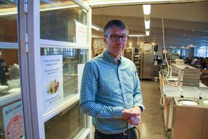 Pär Johansson är samordnare på Dala Avfall. Han berättar att dalfolket är ganska dåliga på att källsortera.