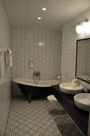 Clarion Collection Hotel Grand. De har lagt stor fokus på detaljer vilket även syns på blandare till handfat och badkar.