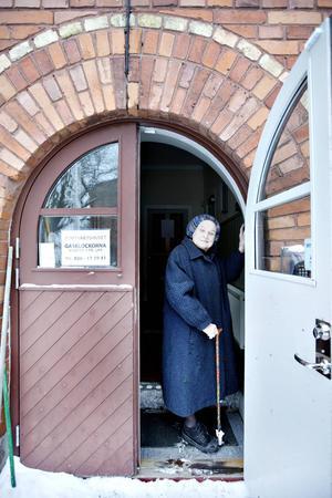 """När Margareta Hallin fick Gunn Wållgren-stipendiet 2006, utnämndes hon i motiveringen till """"en av det svenska kulturlivets centralgestalter""""."""