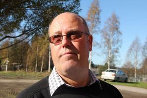 Birger Tellin från Harmånger är synonym med det kommunala bostadsbolaget. Nu får han befälet.