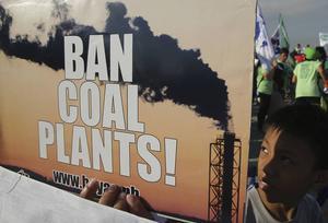 Förbjud kolvärmeverk. Krav på demonstration i Manila, Filippinerna inför Klimatmötet i Paris.