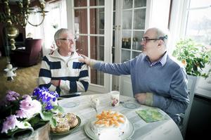 Kjell Lundin, till höger, känner en stor tacksamhet mot sin räddande ängel Kent Borlid. Utan hans snabba insats hade Kjell förmodligen inte levt i dag.