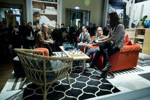 Inför ett stort pressuppbåd presenterades Ikeas vårnyheter. Några av de hetaste är signerade Hanna Dalrot.