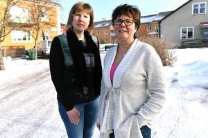 Kristina Gunnars och Lena Broman utanför Anhörigcenter på Dalgatan.