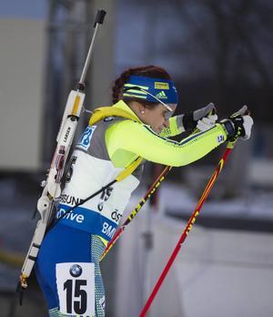 Det känns som att Elisabeth Högberg har lyft sin åkning ännu ett snäpp till årets säsong. Att hon lyckades hålla sig på utgångsnivån i jaktstarten, trots två bom, tyder också på det.