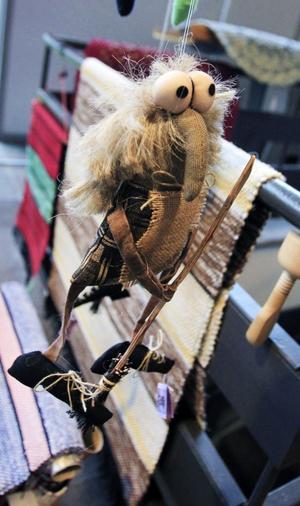 Rolig figur. Utbudet var brett när Gävle slöjdare i går samlades i Silvanum för sin årliga höstmässa.