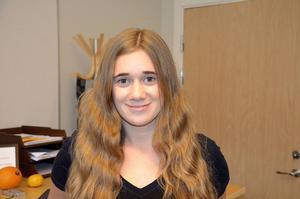 Nora Wisting, 15 år, Haga:    – Man kan försöka göra lektionerna intressantare, inte bara sitta i ett klassrum och läsa en bok.