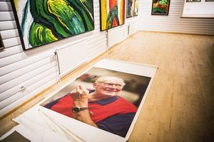 Den sedan tio år avlidne konstnären Bengt Lindström hyllas i sin hemby Storsjö kapell i helgen.