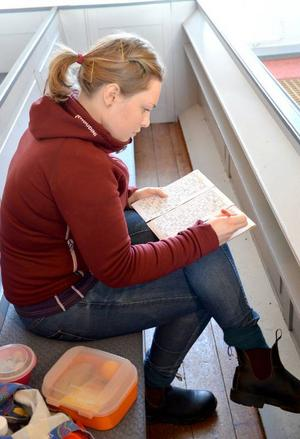 Moa Wahlström från Offerdal gillar initiativet med kyrkbingo. Hon hoppas att fler unga människor ska hitta till kyrkans verksamhet.