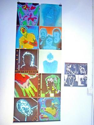 Under Yran visar Galleri S affischer som var bifogade vissa vinylskivor under 1960- och 1970-talet.