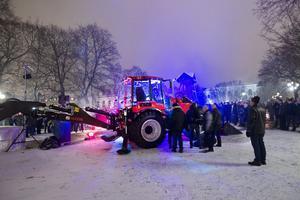 Huddig presenterade i lördags sin nya grävlastare 1260 C i Rådhusparken.