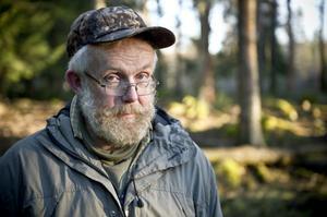 Det är sällan jag stöter på någon, när jag är ute och går med djuren. Det kan hända att jag möter någon som jagar, säger Per Önnerstam.