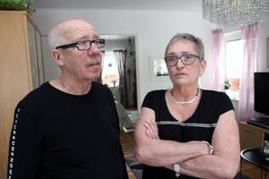 Efter två månaders väntan har Gustav Byman fått en tid hos urolog i Stockholm 6 april.  Men han och hustrun Lis hoppas fortfarande på hjälp genom Landstinget Dalarna.