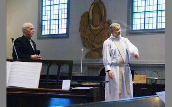 Jan Norrgo och Carl-Axel Hagberg berättade om sina erfarenheter under en annorlunda gudstjänst.FOTO: ANDERS BJÖRKLUND