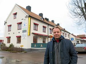 Storbygge i sikte. Johan Nyberg vid Kopparcronans fastighet på Pilgatan.