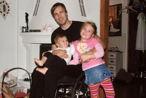 Christian försöker umgås med barnen My, 5 år och lille Paul, 9,5 månader så mycket som träningar och matcher tillåter. När det är möjligt följer hela familjen med hans resor och de kommer även att finnas på plats under Paralympics i Sotji i mars.