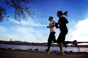 Genom att hitta rätt arbetspuls och hålla koll på den med en pulsmätare blir det både lättare och roligare att jogga.