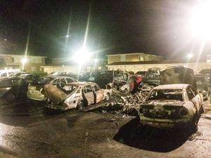 Västerås är hårt drabbat och vissa gator på Bäckby allra mest. Natten mot den 3 september i år drabbades Välljärnsgatan på Bäckby av årets hittills värsta bilbrand, då 11 bilar förstördes.