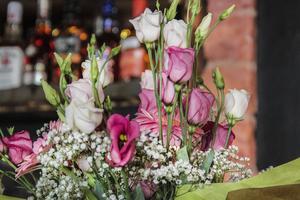 Den nya restaurangen uppvaktades med blommor.