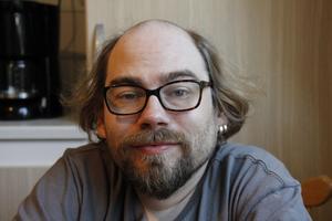 Christian Andrén insjuknade i cancer som väldigt liten. Idag är han friskförklarad sedan länge men sjukdomen har präglat hela hans liv och gjort honom deprimerad i perioder. Nu har livet vänt till något mycket bättre.