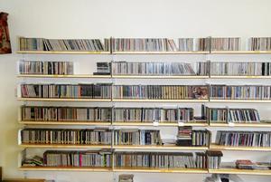En del av arkivet med gamla cd-skivor. Musik som nu är nedläst på olika hårddiskar.