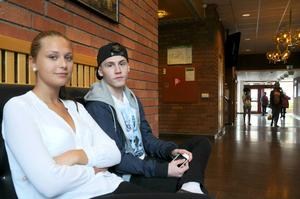 Sandra Eklund får ännu inte rösta men Jesper Theorell är förstagångsväljare.
