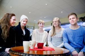 Annie Persson, Niklas Sternbeck, Veronica Graaf, Johanna Berg och David Meiton har alla flyttat från Västerbergslagen för att studera på annan ort. Redan nu är de unga vuxna dock relativt övertygade om att de senare i livet kommer flytta tillbaka.