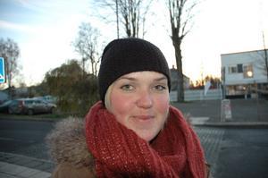 Therese Karlsson, 26, mammaledig frisör, Tierp.– Satsa på att bygga fler bostäder. Sen har vi mycket idrott här i kommunen som man kan lyfta upp.