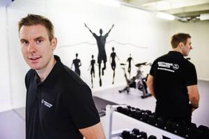 Philip Gunholmer tror att 24-timmarsgymmet behövs i Gävle. Nästa lördag öppnar Everytime Fitness sina lokaler mitt i stan.