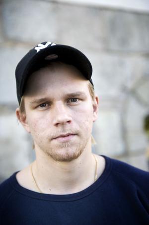 Vinnarskalle och teknik listar Rasmus Enström som sina främsta förmågor som innebandyspelare.– Jag gillar att avgöra, säger han.
