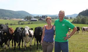 Det kommer hållas en gemensam uppvärmning på Cecilia och Mats Englunds gård.
