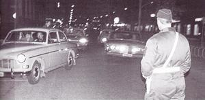 """En fredagkväll i oktober 1968 genomförde 120 poliser en razzia i centrala Gävle för att försöka få bukt med buslivet och """"gangsterväldet""""."""