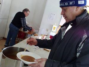 Flera laddningar med soppa gick åt.Foto: Carin Selldén
