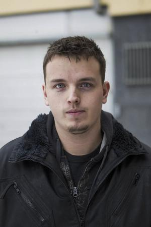 Robin Öhrn 24 år, Färila– När bilar nosar en i arslet när man kör.