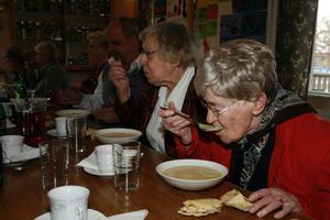Potatis- och purjolökssoppan hade en rykande åtgång under hösträffen.