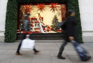 Henrik Scheutz uppmanar oss att – för miljöns skull – inte handla julklappar. Själv köper han inga.