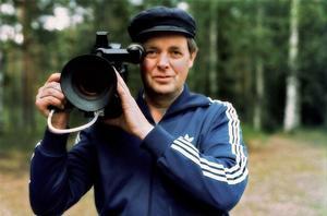 Dokumentärfilmaren Erik Eriksson fotograferad i sitt Hälsingland. Foto Jonas Sima