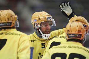 Pontus Blomberg lyfter fram lagkamraten Johan Löfstedt som elitseriens bästa spelare.