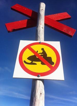 När skotertrafiken regleras får man bara åka på anvisade leder.