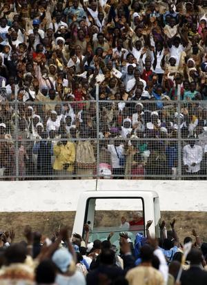 Påven besöker Kamerun.