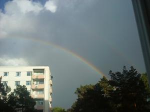 Kollade ut och fick syn på två regnbågar, den ena syns dock inte lika tydligt som den andre.