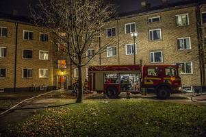 Räddningstjänsten jobbar med branden i Hedemora.