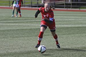 Sara Jensen, 25, spelade från start i Bik SK för första gången den här säsongen och blev målskytt direkt.