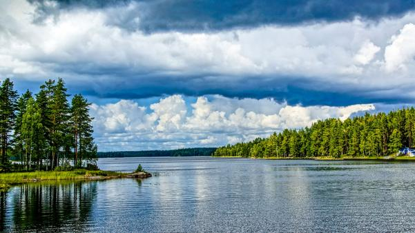 Storm brewing over Lake Ungen, Norberg