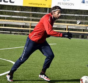 Mack Ward gör sin tredje säsong i Anundsjö. Inför den här säsongen var han nära en övergång till Umeå FC.