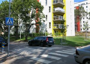 I fjol byggdes en gång- och cykelpassage på Gideonsbergsgatan vid det nya bostadsområdet Tegnérlunden, med busskuddar för att dämpa farten på biltrafiken.