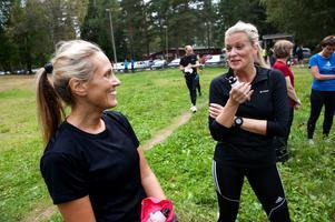 Jeanette Heinonen och Sofia Åkerström är båda vana löpare, men de kom till Mellsta för att få ny inspiration och ny information i tisdags.