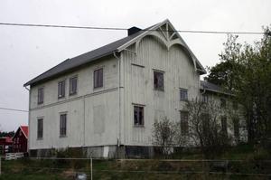 Baptisterna gamlab bönehus i Vattrrång inrymmer idag en konsthall i den stora gudstjänstlokalen.